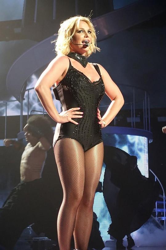 Britney vystavuje štíhlejší tělo.