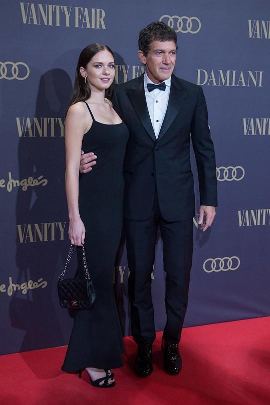 Antonio Banderas se svou krásnou dcerou Stellou na party magazínu Vanity Fair v Madridu
