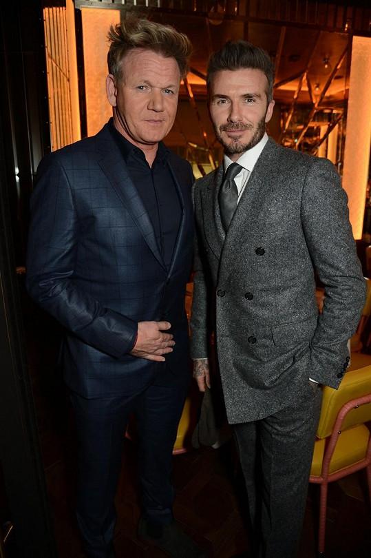 Rodina Beckhamů se přátelí s rodinou šéfkuchaře Gordona Ramsayho. Možná právě on dovedl Davida k vaření.