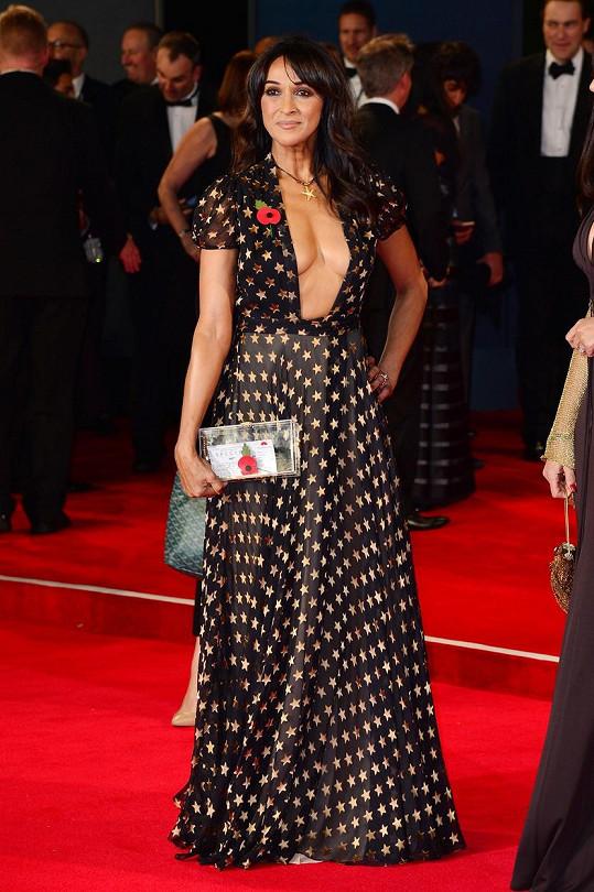 Jackie St Clair zvolila mimořádně odvážné šaty.