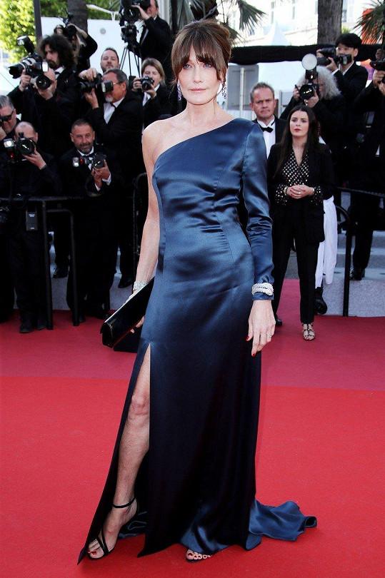 Carla Bruni-Sarkozy na filmovém festivalu v Cannes