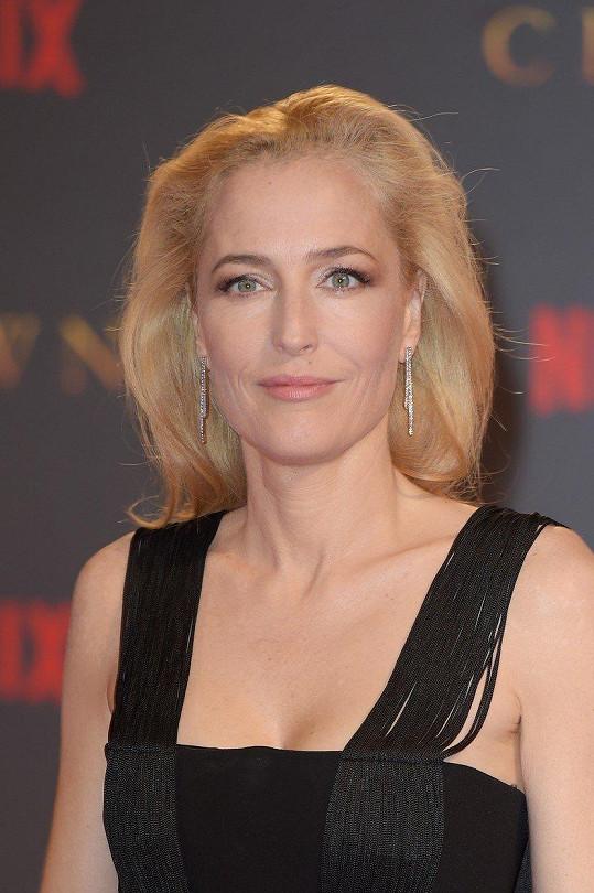 Herečka známá ze seriálu Akta X působila velmi svěže.