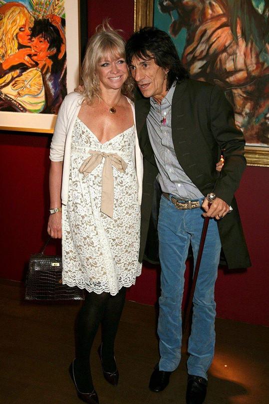 V letech 1985-2011 byla Jo manželkou Ronnieho Wooda.