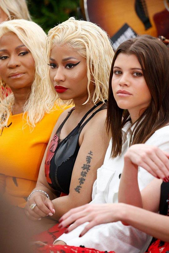 Zleva: Carol Maraj, Nicki Minaj a Sofia Richie.