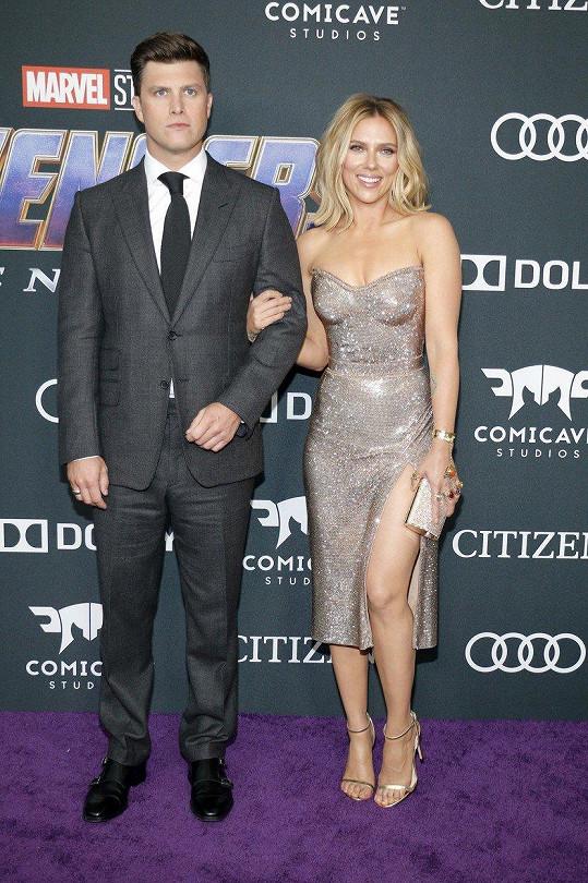 Scarlett Johansson přišla s přítelem Colinem Jostem