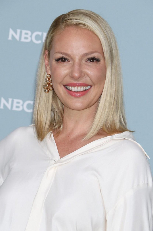 Jako blondýnku ji známe po většinu její kariéry.