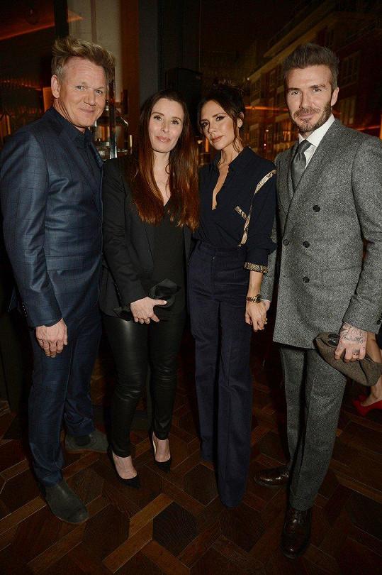 Ramsayovi se na akci potkali s Beckhamovými. Manželské páry pojí dlouholeté přátelství.