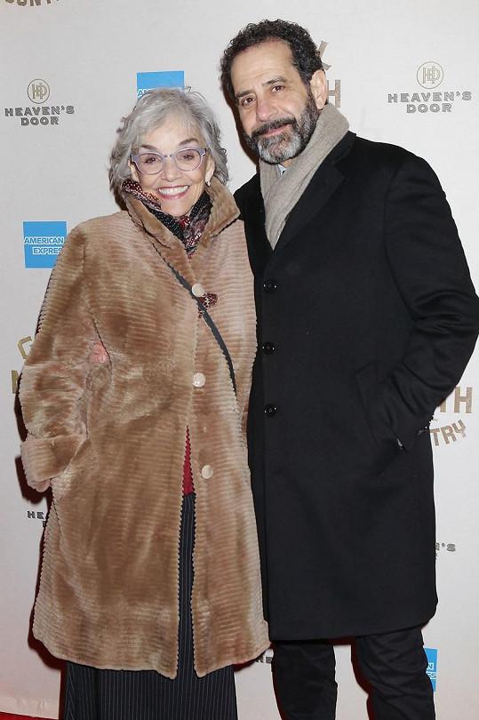 Tony Shalhoub a jeho žena Brooke Adams prodělali nákazu koronavirem.