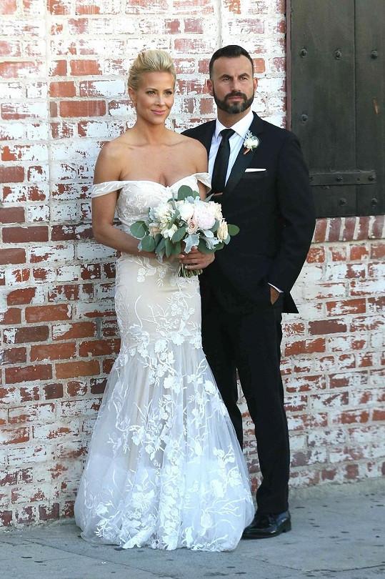 Brittany Daniel s manželem Adamem Tounim