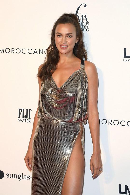 Irina Shayk údajně randí s Kanyem Westem.