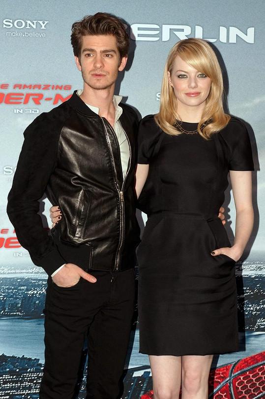 Emmu a Andrewa svedlo dohromady natáčení filmu o Spider-Manovi.