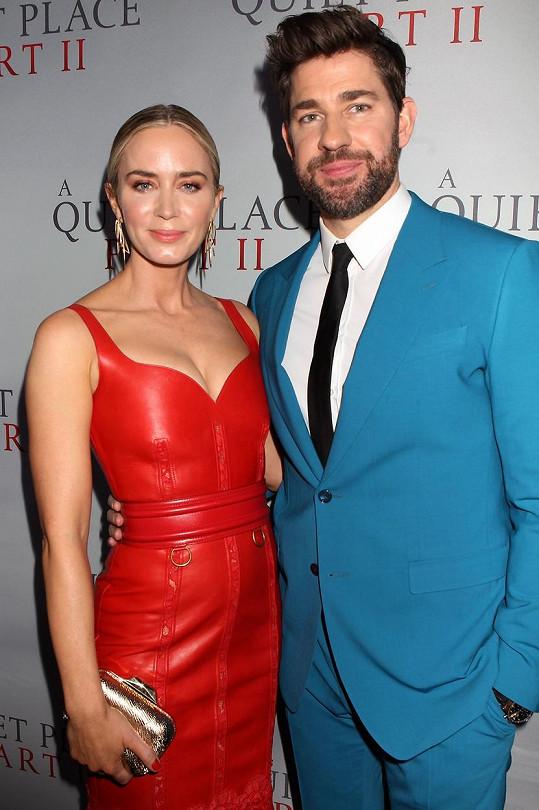 Emily Blunt je už deset let vdaná za herce a režiséra Johna Krasinského.