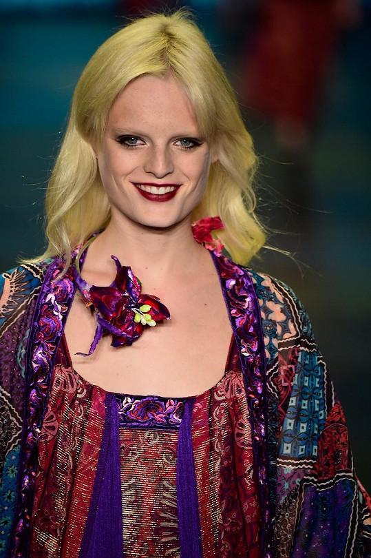 Make-up dělá divy. Hanne na přehlídce Anny Sui na letošním týdnu módy v New Yorku.