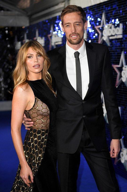 Abbey se svým manželem, britským fotbalistou Peterem Crouchem