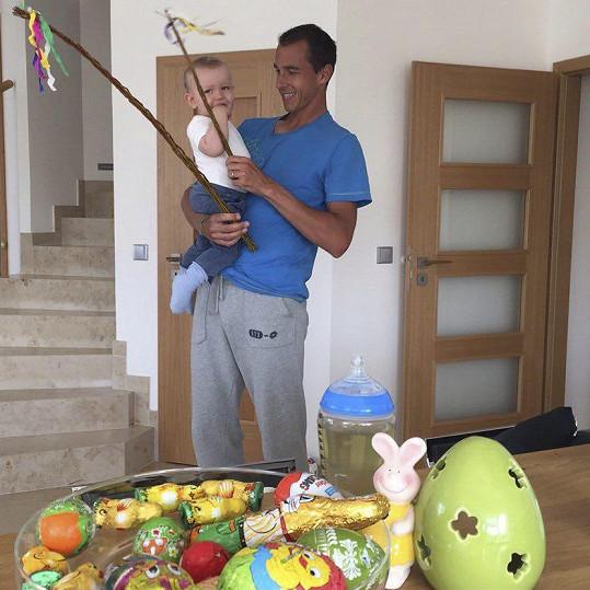 Míša Ochotská se pochlubila fotkou manžela a syna.