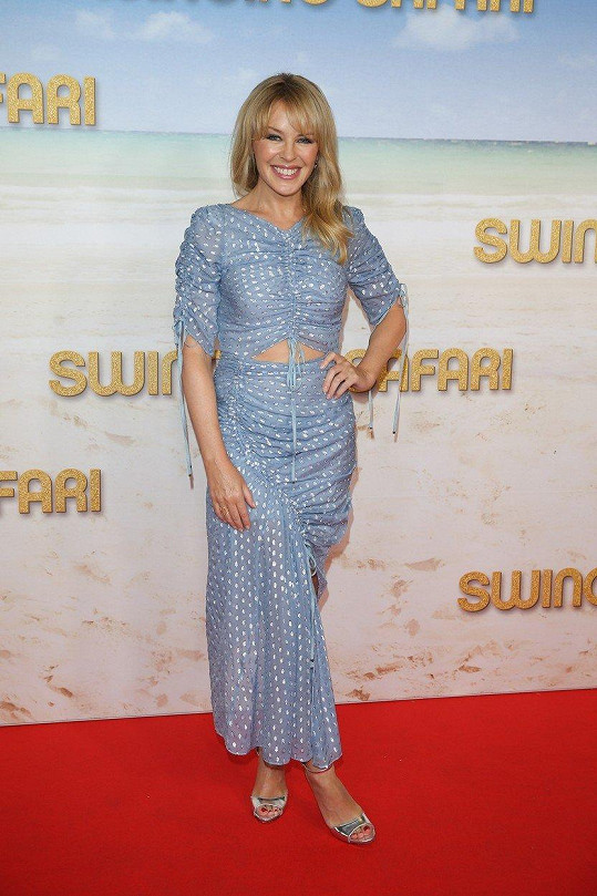 Kylie Minogue. Foto ze čtvrteční premiéry filmu Swinging Safari v Melbourne