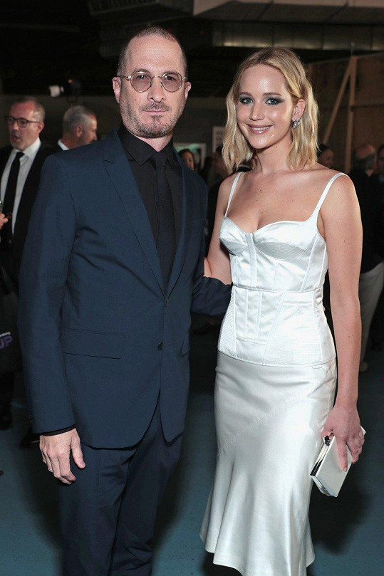 Jennifer Lawrence a Darren Aronofsky se loni rozešli, ale vycházejí spolu dobře.