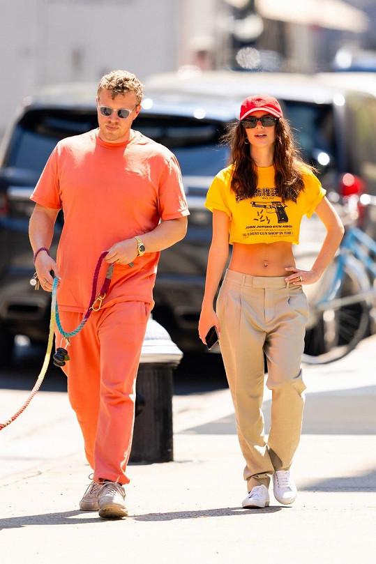 S manželem na procházce