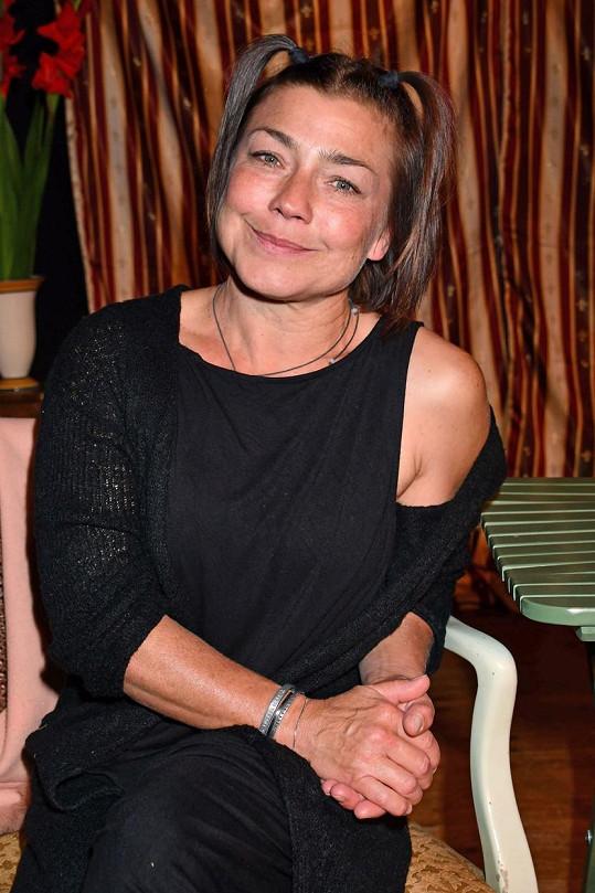 Claudia Schmutzler se proslavila jako setřička Stephanie Wilde v seriálu Stefanie.