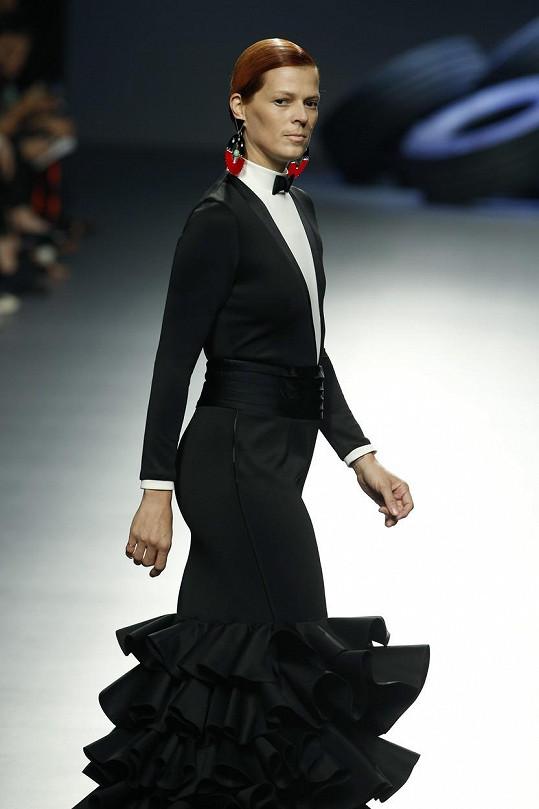 Bosé na přehlídce Davida Delfina během madridského týdne módy v roce 2015