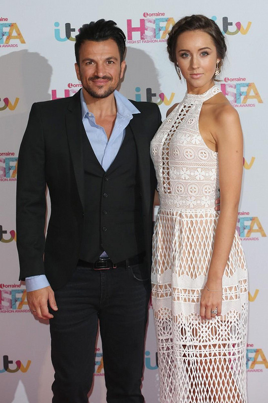 Peter Andre s manželkou Emily MacDonagh