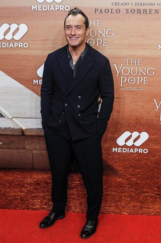 Jude Law může být na svou dceru hrdý.