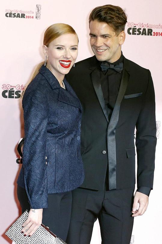 Scarlett Johansson má dceru s exmanželem Romainem Dauriacem, úspěšně tají i její podobu.
