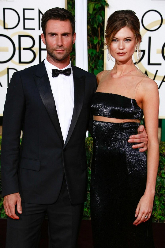 Adam Levine s manželkou Behati Prinsloo