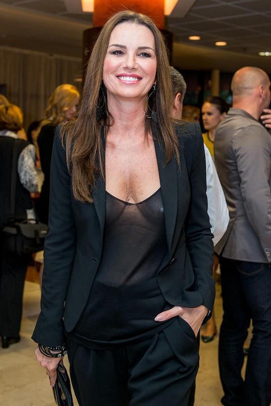 Silvia je ředitelkou Miss Universe SR.