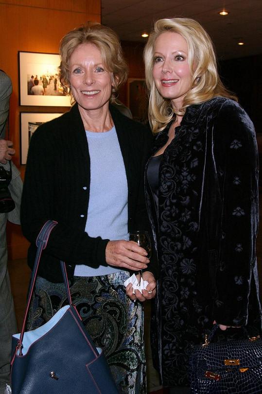 Charmian Carr (vlevo) v roce 2008