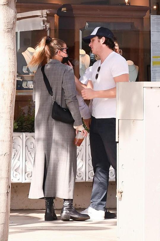 Sofia Richie a Matthew Morton spolu už měsíc randí.