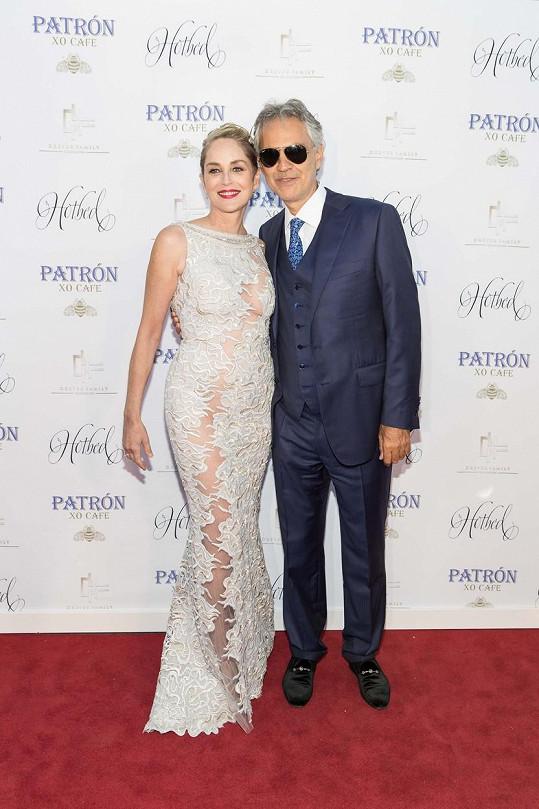 Stone a Bocelli na sobotní události Hotbed Benefit Gala