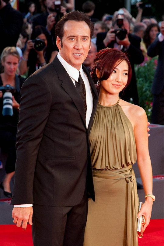 S Alice Kim byl herec 10 let a mají syna.