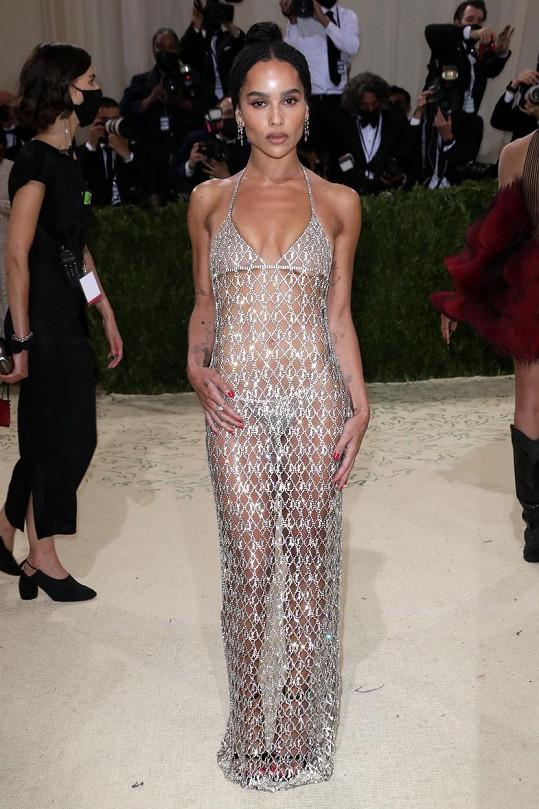 Zoe Kravitz v průhledných třpytivých šatech doslova zářila.
