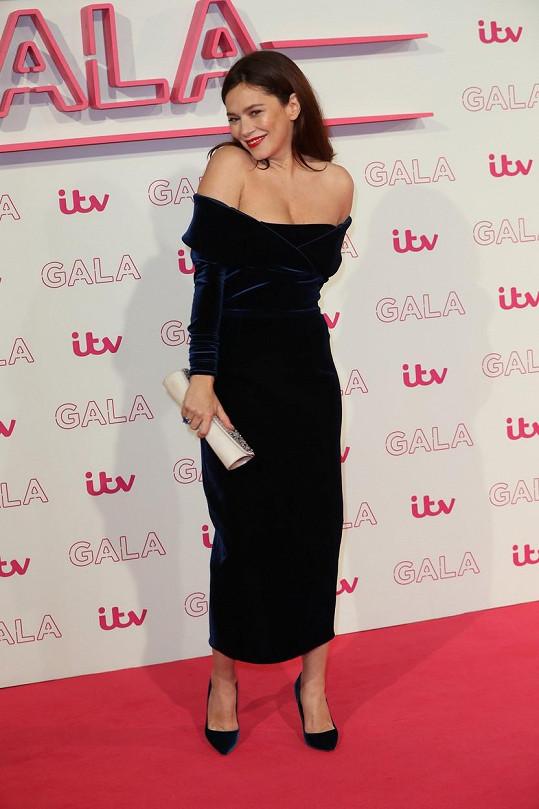Anna na večírku stanice ITV