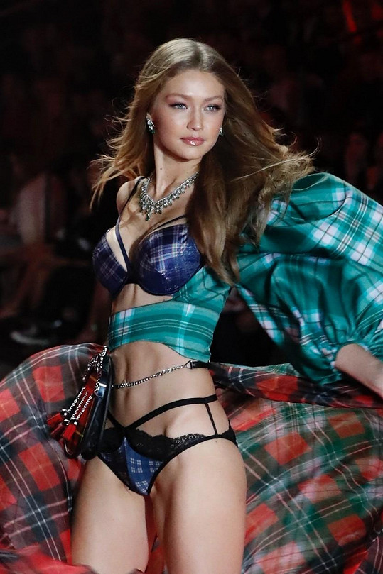 Gigi Hadid se pochlubila krásnými těhotenskými snímky.