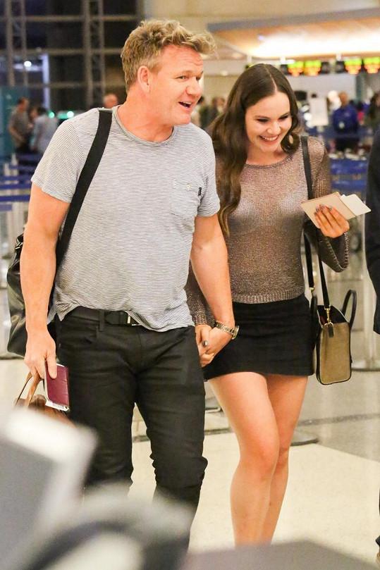 Gordon Ramsay s dcerou Holly na letišti v Los Angeles