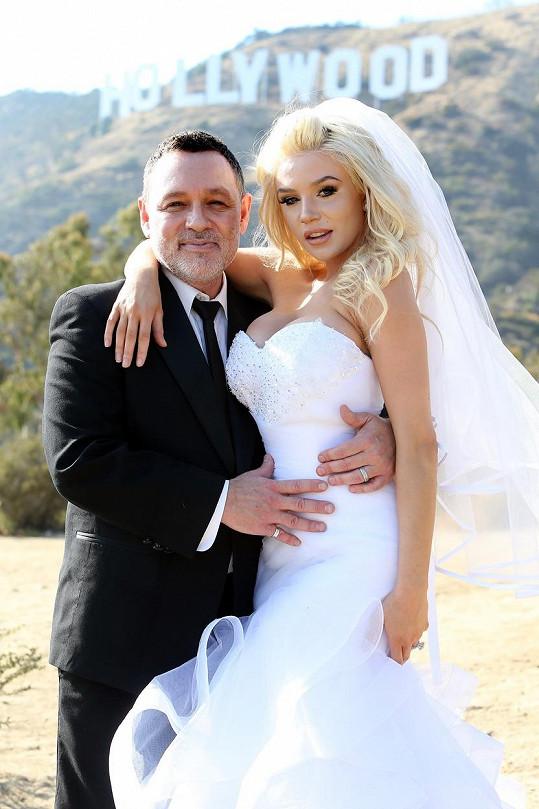 Manželství Douga a Courtney je prý nyní úžasné, proto se rozhodli pro obnovení slibu.