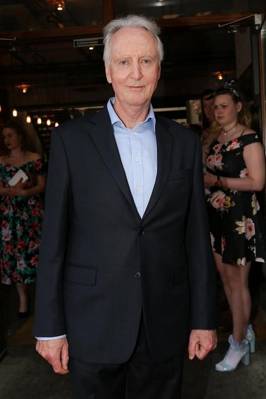 Hugh Fraser se proslavil rolí kapitána Hastingse.