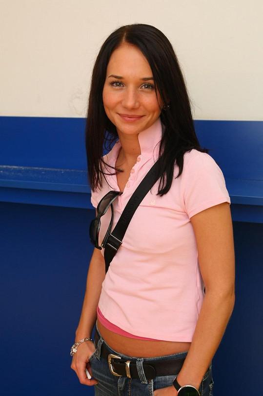 Takhle vypadala před dvanácti lety, když hrála sestřičku Gábinu v Ordinaci v růžové zahradě.
