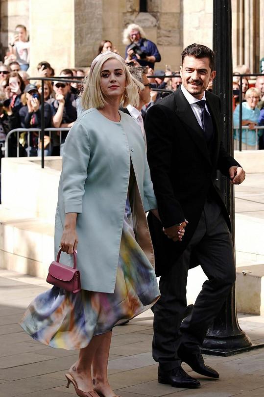 Katy Perry a Orlando Bloom plánují prý prosincovou svatbu.