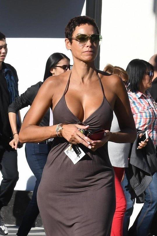 V ulicích LA je Nicole Murphy opravdu k nepřehlédnutí.