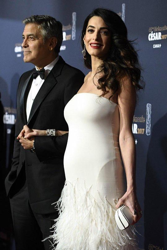 Jeden z nejledovanějších porodů George Clooney a Amal