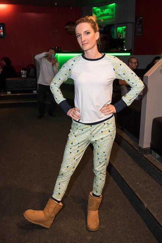 Adela Banášová přišla na křest CD v pyžamu.