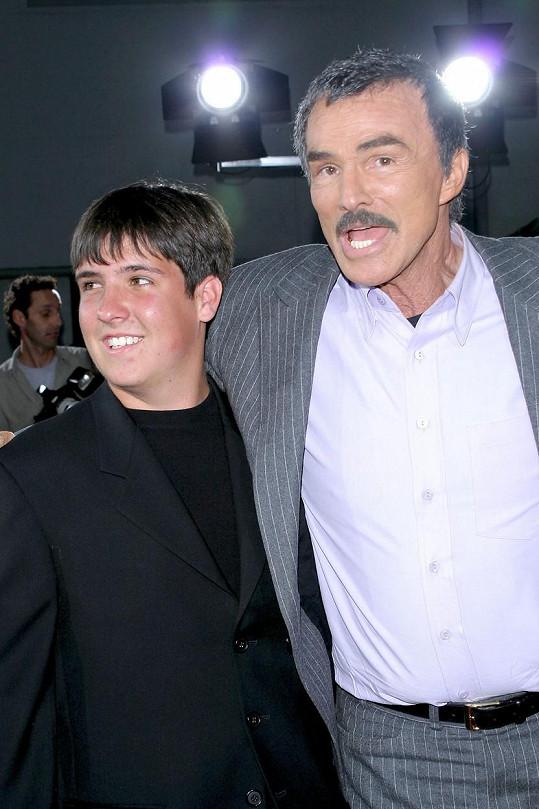 Burt Reynolds s jediným synem Quintonem, který zůstal v plné péči Loni Anderson.