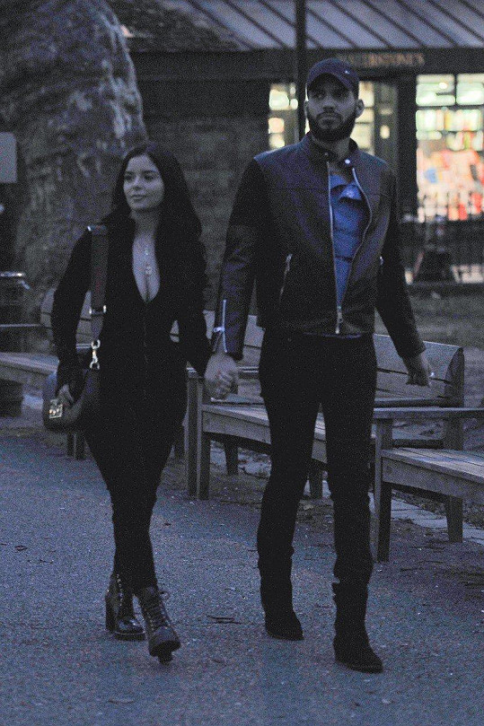 Demi Rose Mawby s přítelem Chrisem