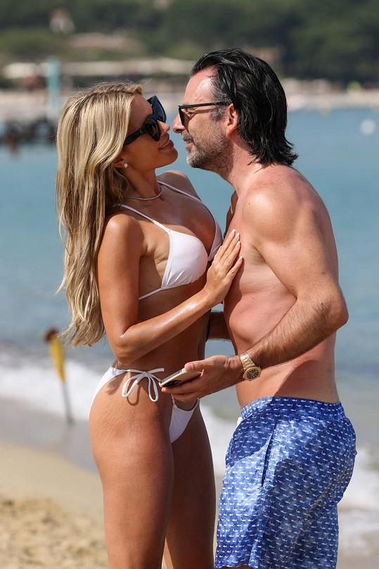 Sylvie Meis vrká na dovolené se svým manželem.