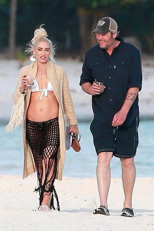 Gwen Stefani a Blake Shelton tráví dovolenou v Mexiku.