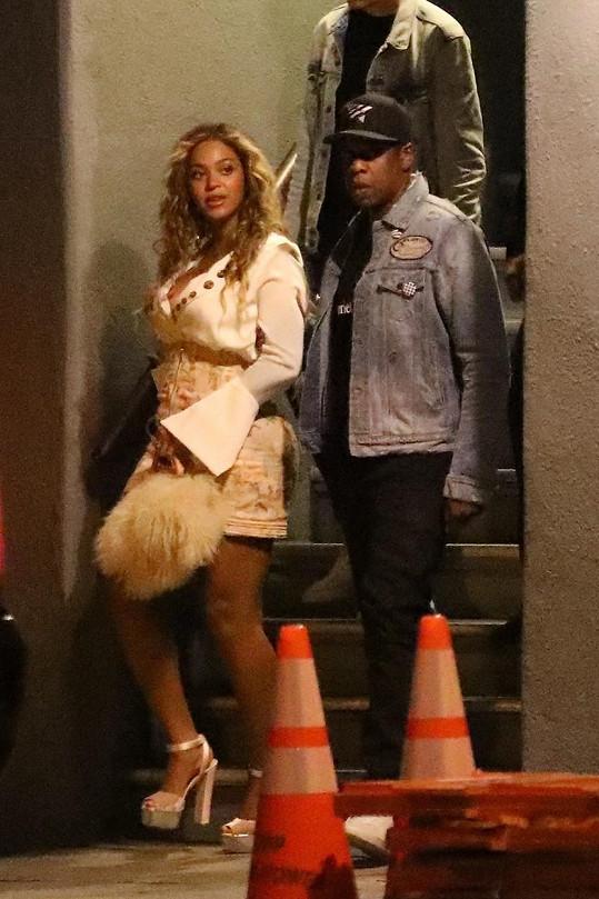Beyoncé s manželem Jayem-Z vyrazili do víru velkoměsta.