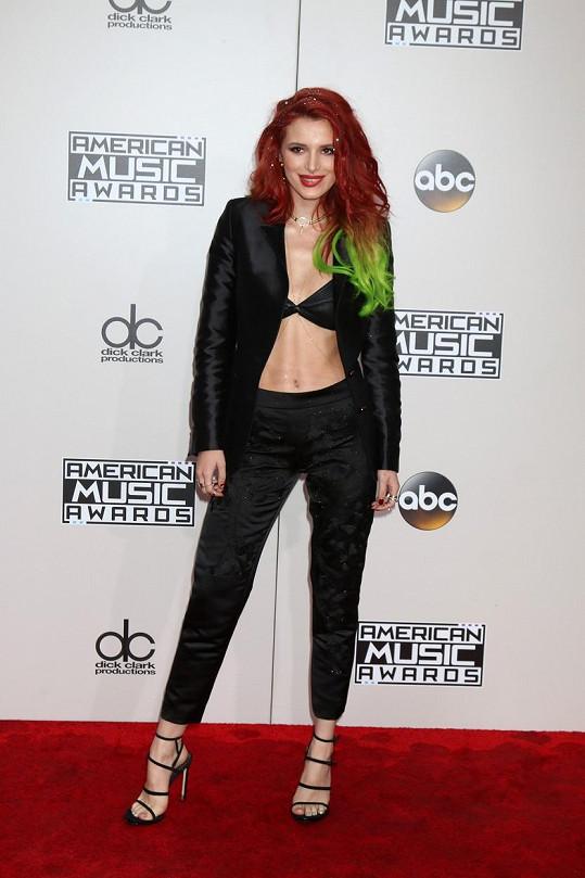 A takhle jí to slušelo na předávání cen American Music Awards v roce 2016.